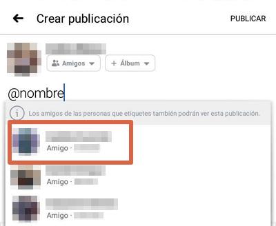 Etiquetar amigo o página en publicación,comentarios o respuestas Facebook app paso 3
