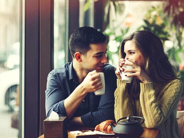 características de Facebook parejas