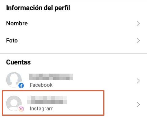 Cómo desconectar o desvincular una cuenta de Instagram con Facebook desde la aplicación Facebook paso 6
